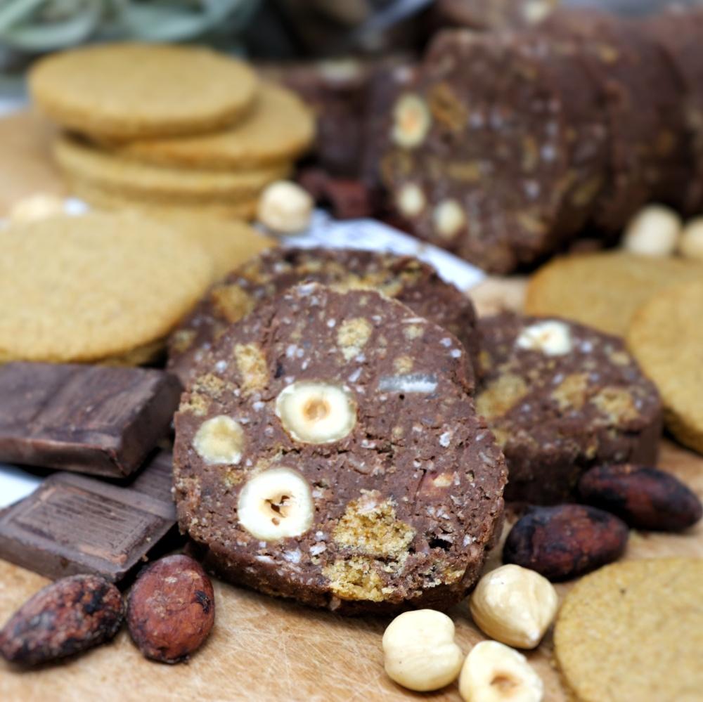 Salame al cioccolato vegan e sano con proteine