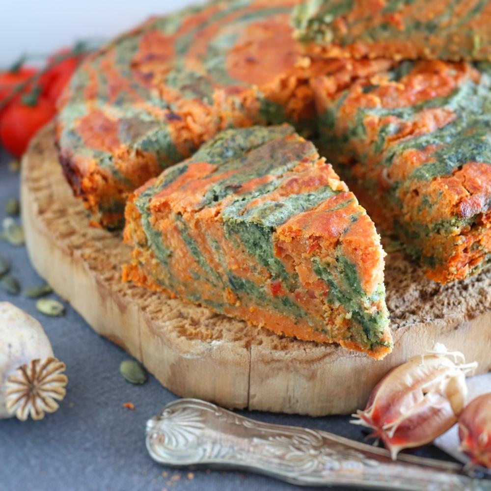Farinata bicolore pomodori secchi e spinaci