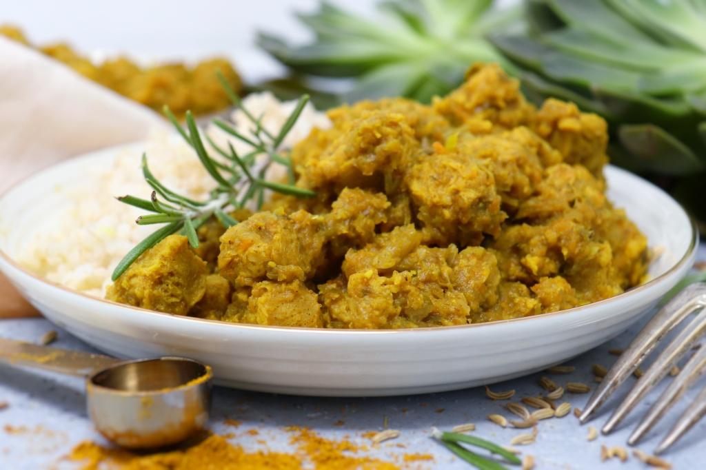 Spezzatino di soia al curry di riciclo, senza olio e glutine